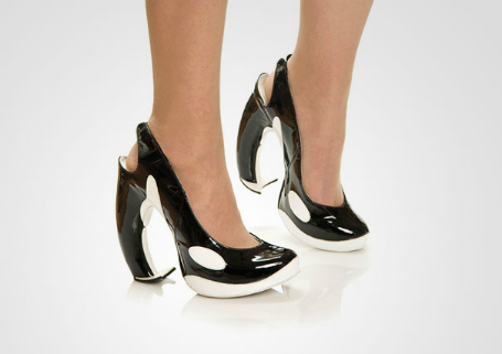 balina şekilli ayakkabı
