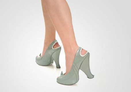 köpek balığı ayakkabı